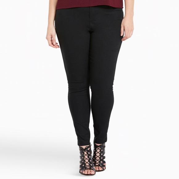 Black plus size dresses fashion nova